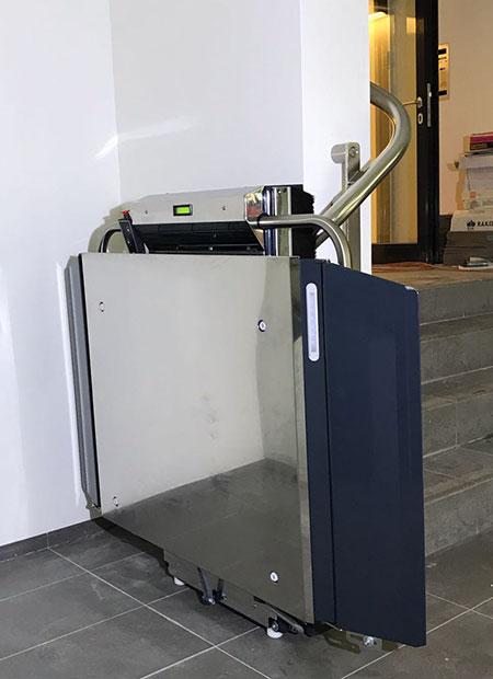 Plattformlift Lehner Stratos